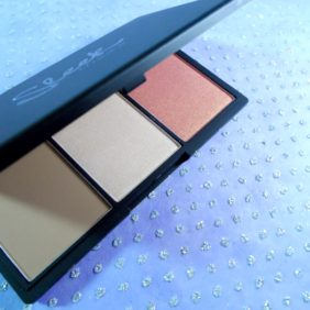 Sleek Makeup Face Form | Contouring and Blush Palette in Fair 372