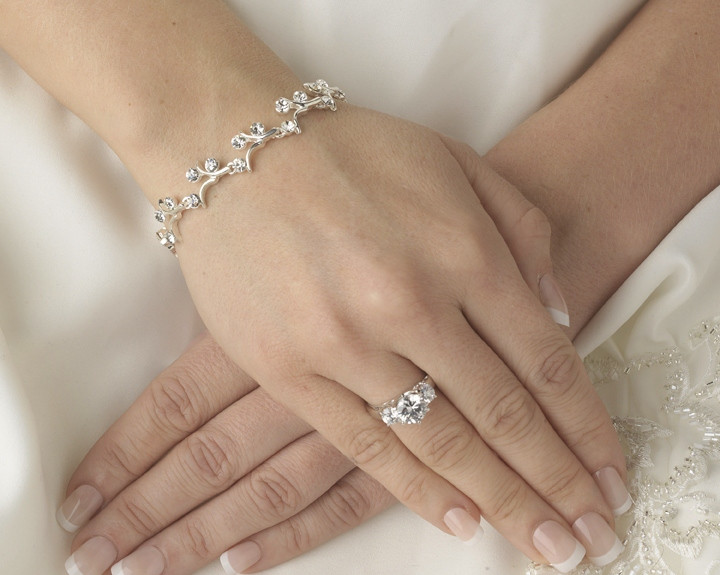 Top Tips for Choosing Your Bridal Jewelry