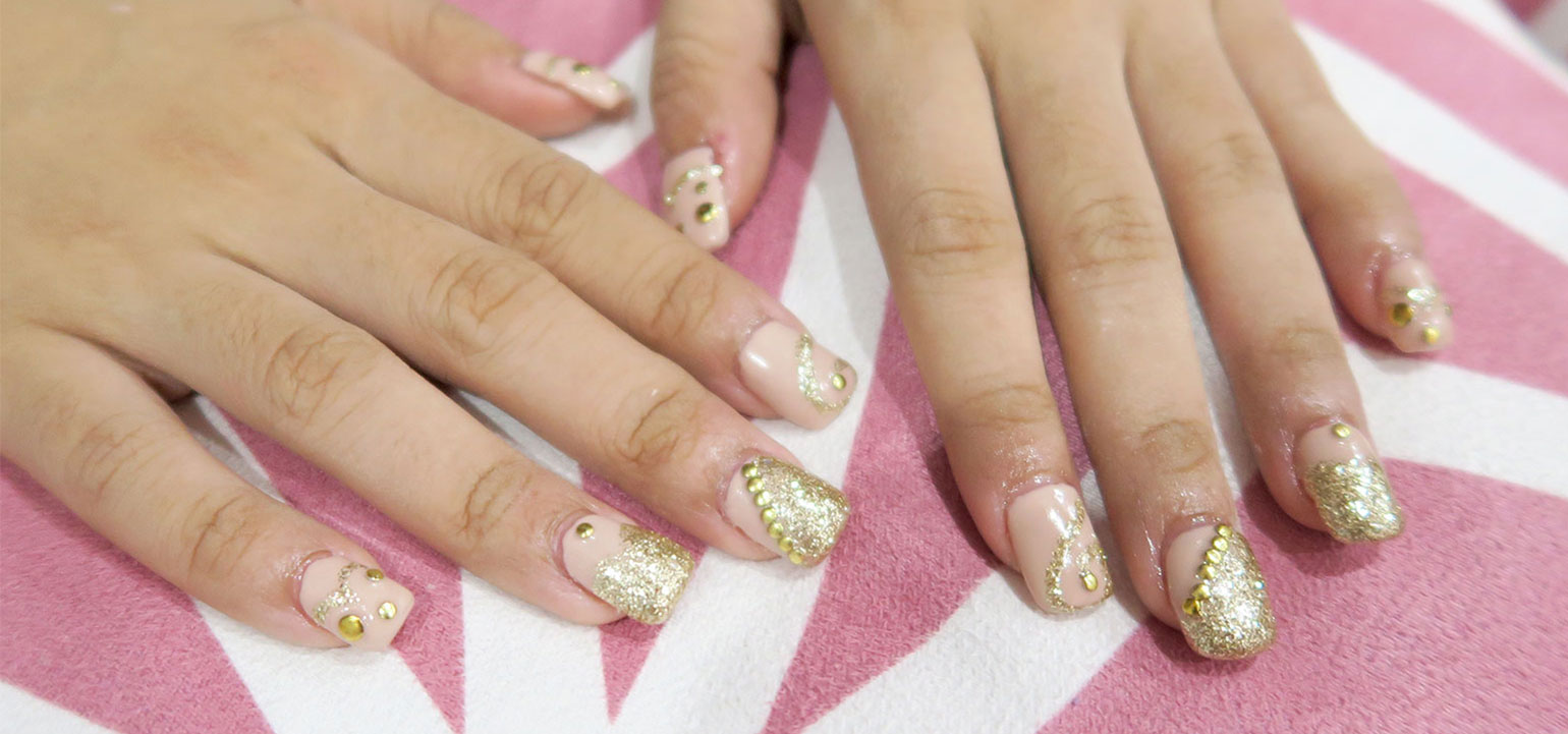 First Time Acrylic Nails With Nail Art By Ayumi Las Pias Gen Zel